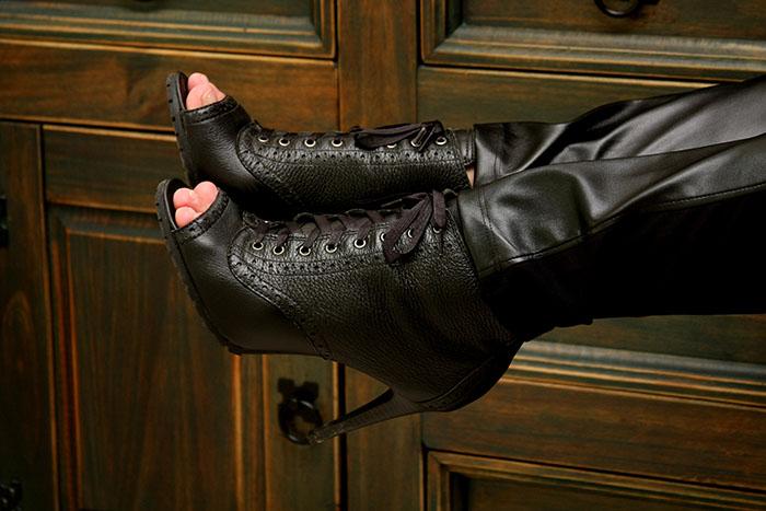 blazer de spikes zara_blazer tachas nos ombros_calça couro_lia line calçados_boot lia line_danigarlet_blogs de moda em sc (8)