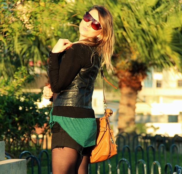bota baixa com spikes_botinha salto baixo_danigarlet_look com sobreposição de peças_short jeans preto_destroyed jeans_ponte hercilio luz_florianopolis_centro de floripa (5)