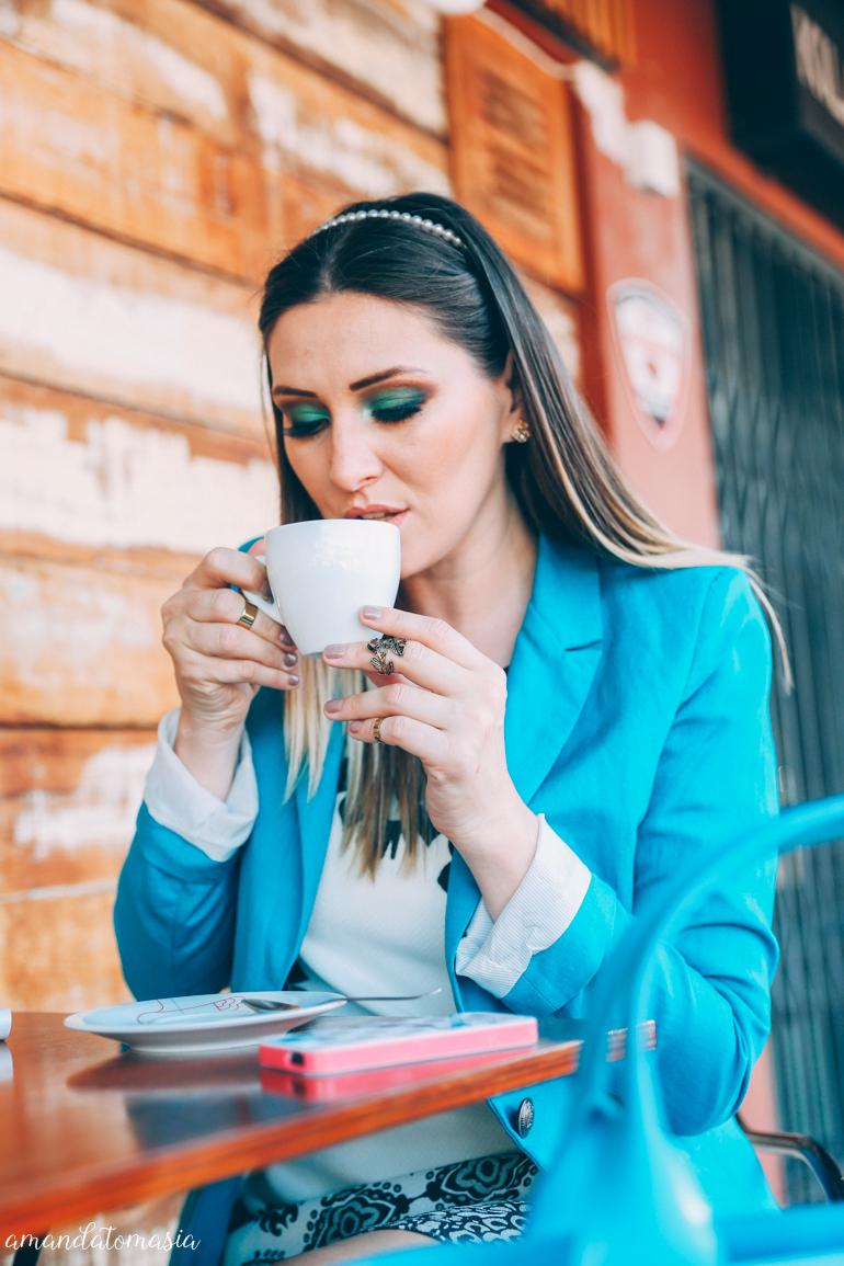 make verde_ maquiagem verde_ karol carminatti_ danigarlet_ blazer azul_ café na lagoa da conceição_ (9)